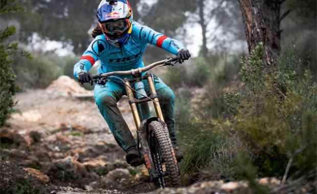 Rider Profile - Rachel Atherton