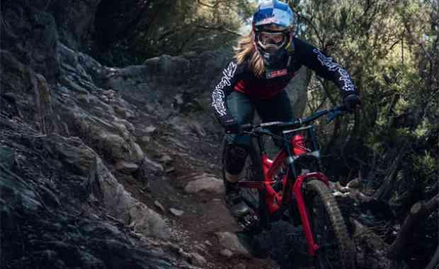 Rider Profile - Valentina Höll