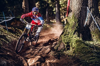 20160908 Val di Sole15 Aaron Gwin Action cBartek Wolinski Red Bull Content Pool